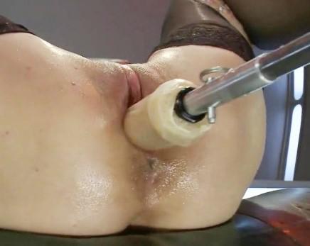 Девушка кончает струями: Эякуляция из молодой писечки! Струйный оргазм 18+