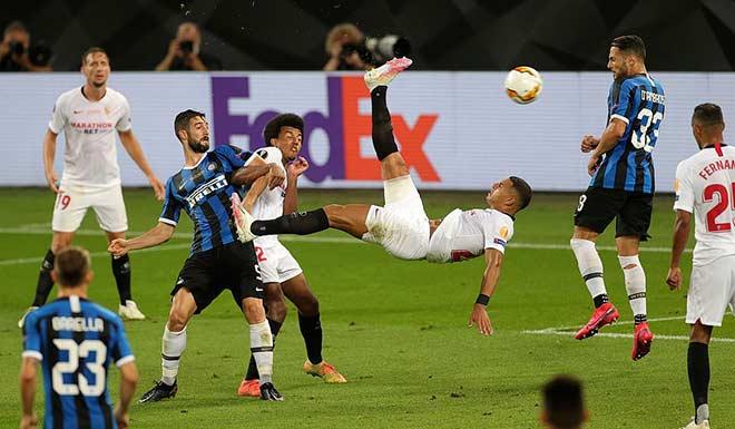 """Bi kịch Lukaku: San bằng thành tích Ronaldo """"béo"""", đá phản làm Inter mất cúp 5"""
