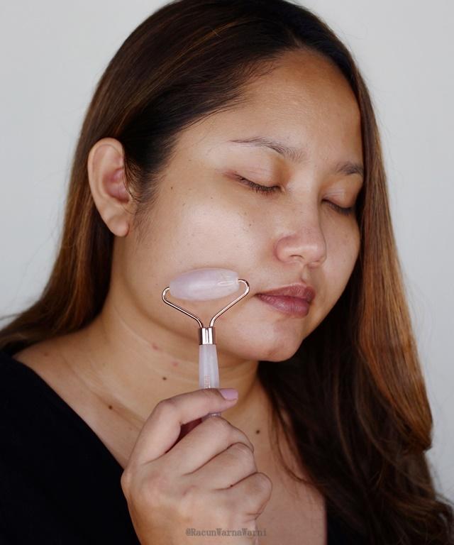 review penggunaan indoganic rose quartz roller di wajah