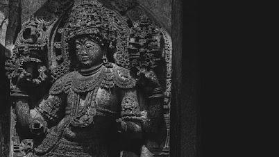 होयसळेश्वरा मंदिर द्वारपाल (हळेबिडू, द्वारसमुद्रा, कर्नाटक)