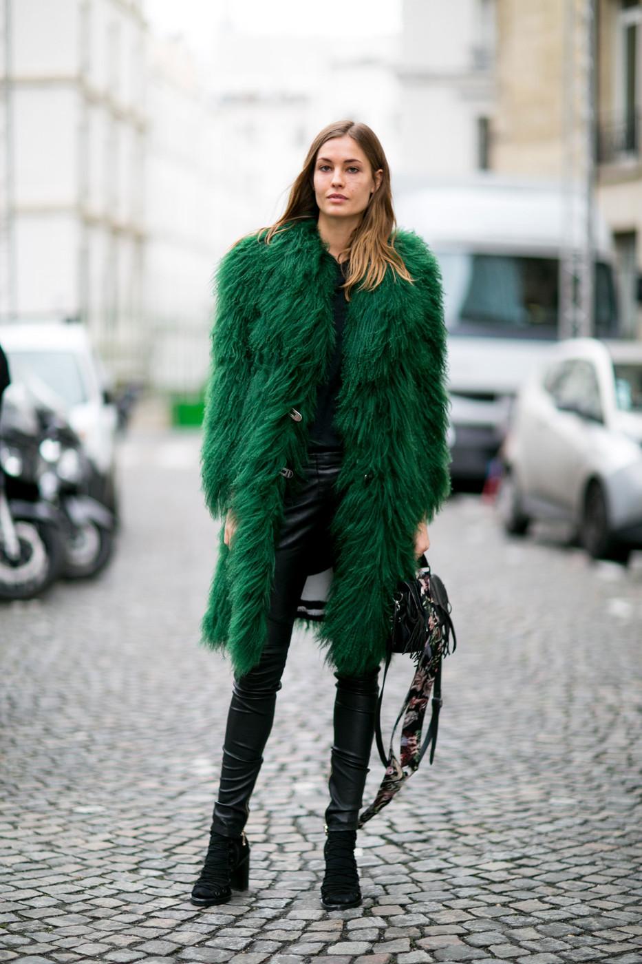 Street Style: Nadja Bender at Paris Fashion Week