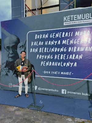 Andre Lao - Pengunjung Pameran Bazar Buku terbesar di Mojokerto