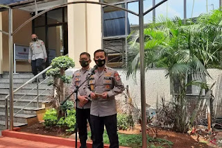 Kepala Biro Penerangan Masyarakat (Karopenmas) Divisi Humas Polri Brigjen Pol Rusdi Hartono memberikan keterangan pers, di Mabes Polri, Rabu (21/4/2021). ANTARA/Laily Rahmawaty.