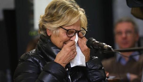 Buongiornolink - Processo suicidio Dj Fabo mamma in lacrime