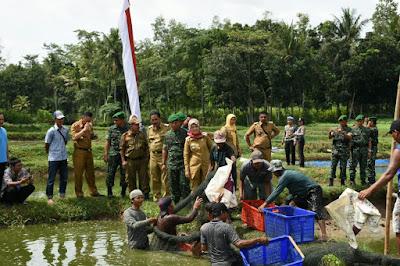 Kelompok Budidaya Ikan Agra Mina Lestari Panen Perdana