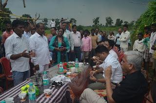 कमिश्नर श्री बहुगुणा ने जिले में विकास कार्यों का लिया जायजा