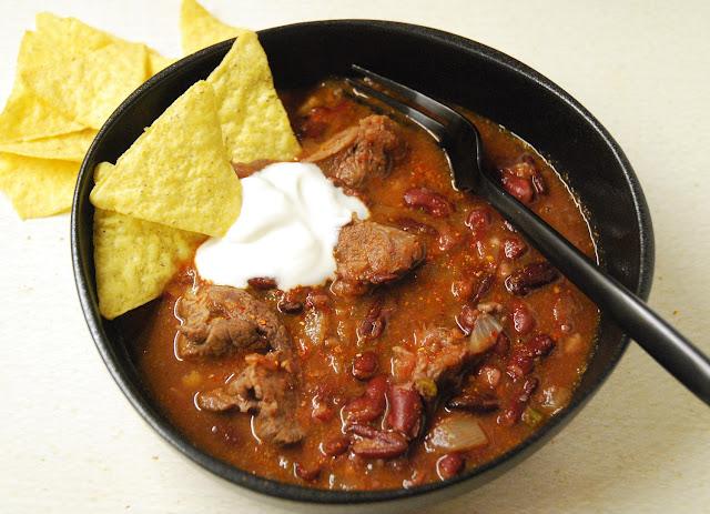 Chili con carne traditionnel aux morceaux de viande
