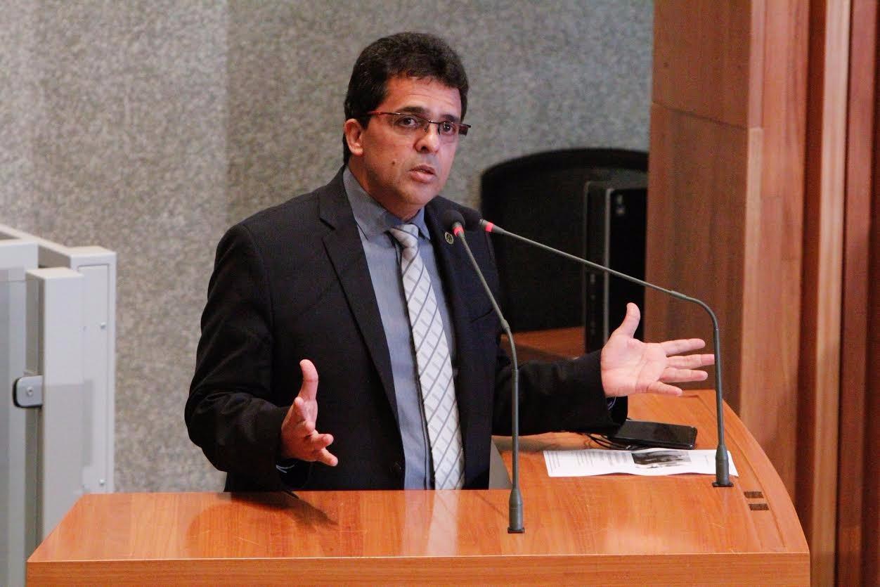Comissão rebate nota da bancada evangélica contra apoio a cultura LGBT no DF
