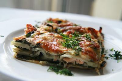 lasagne rezepte und tipps lachs und spinat lasagne rezept. Black Bedroom Furniture Sets. Home Design Ideas