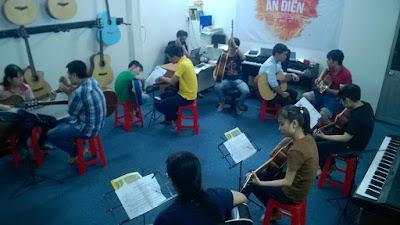Học đàn guitar đệm hát chất lượng Tphcm 1