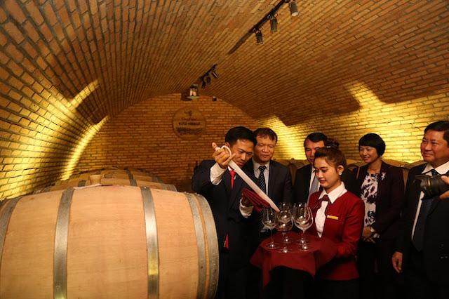 Khám phá hầm vang đỏ chuẩn Châu Âu ở Đà Lạt 3