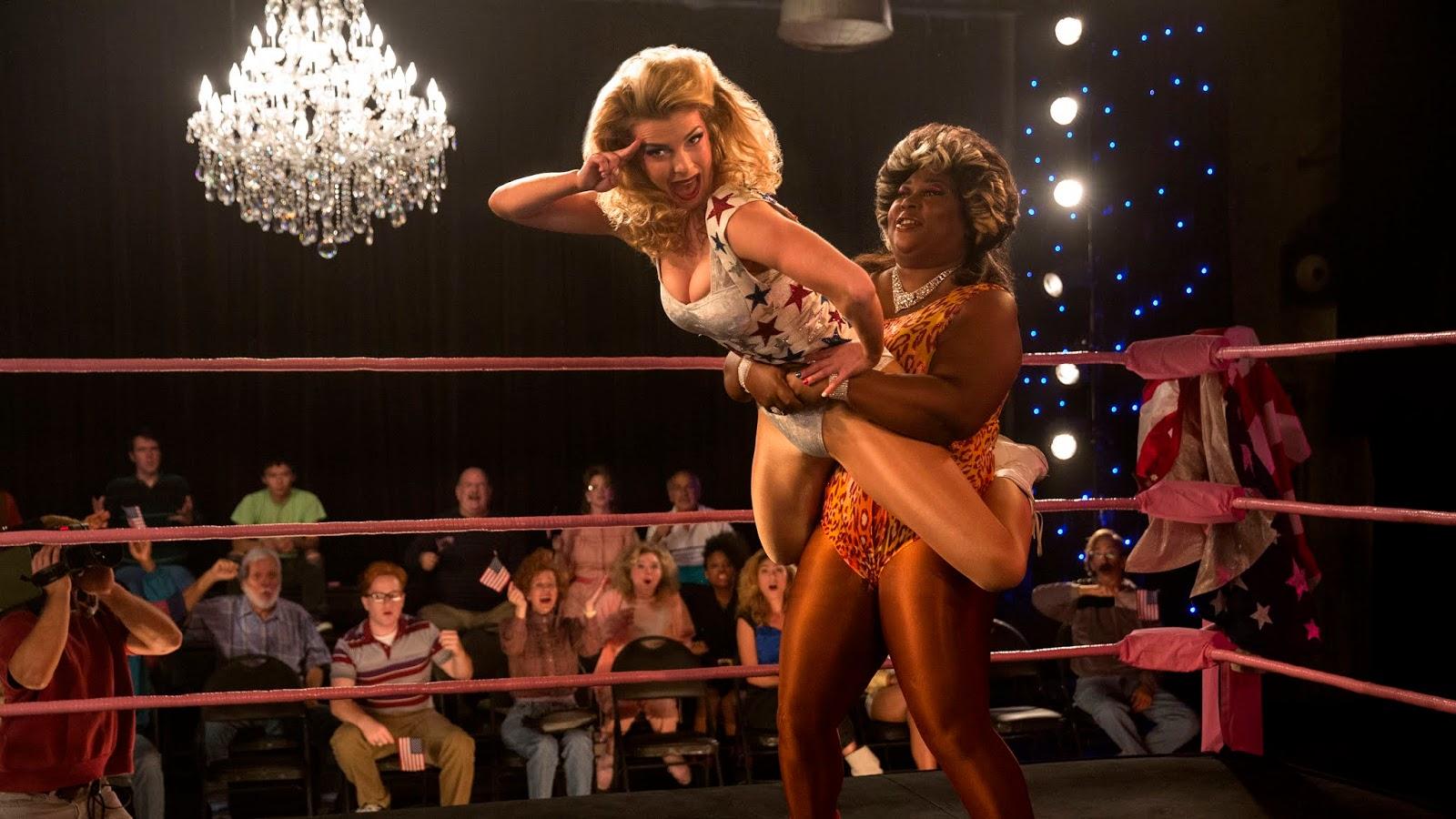 Debbie y Welfare Queen en la temporada 2 de GLOW
