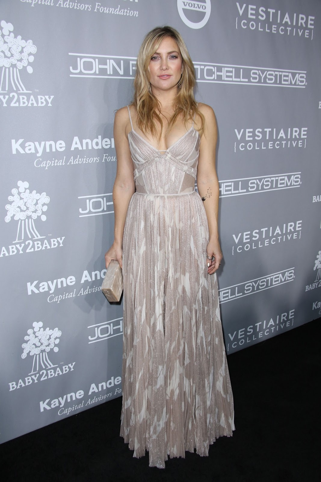 Kate Hudson – The Fifth Annual Baby2Baby Gala on Nov 12