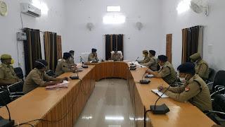 पुलिस महानिरीक्षक, झांसी परिक्षेत्र झांसी द्वारा कोविड-19,अपराध/कानून-व्यवस्था,लम्बित विवेचना,लम्बित प्रार्थना पत्रों व अन्य महत्वपूर्ण बिन्दुओं पर समीक्षा निस्तारण हेतु आवश्यक दिशा-निर्देश दिये   संवाददाता, Journalist Anil Prabhakar.                 www.upviral24.in