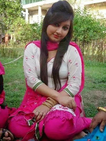 Amazing Look World  Desi Stylish Hot Girls Wallpapers-7025
