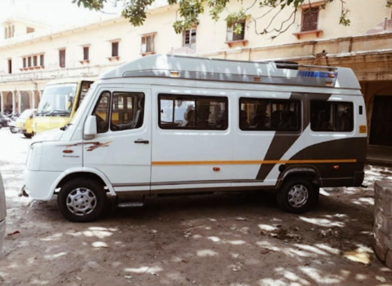 sewa mobil van di india