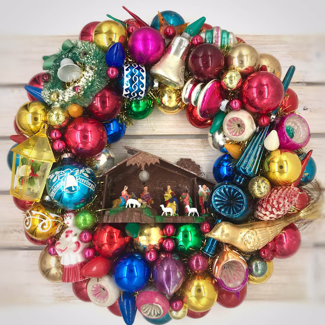 Vintage Ornament Wreath by Thistle Thicket Studio. www.thistlethicketstudio.com