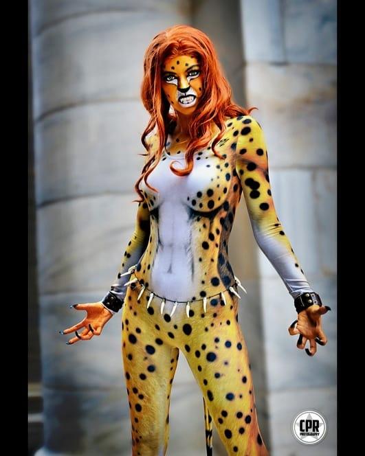 Casabella con su cosplay de Cheetah