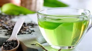 Saat minum teh hijau