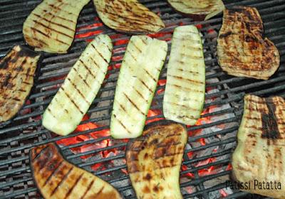aubergine au barbecue, courgettes au barbecue, légumes au barbecue, cuisine d'été