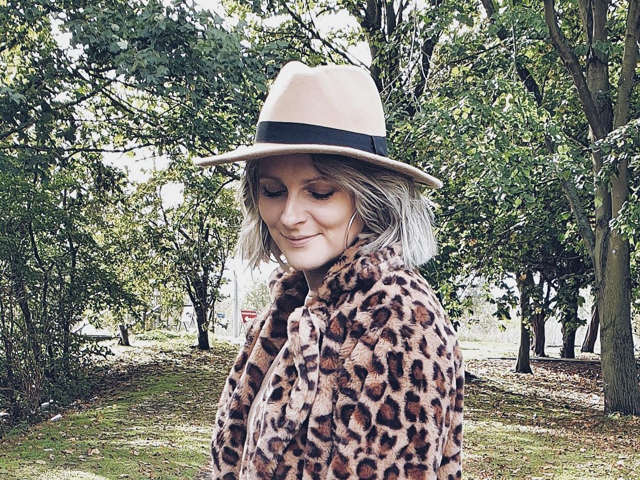 Dzianinowa sukienka & panterka czyli jesienny casual