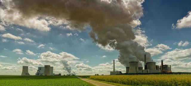 Los niveles de dióxido de carbono en la atmósfera continúan en niveles récord a pesar de las medidas de confinamiento por el COVID-19.Unsplash/Johannes Plenio