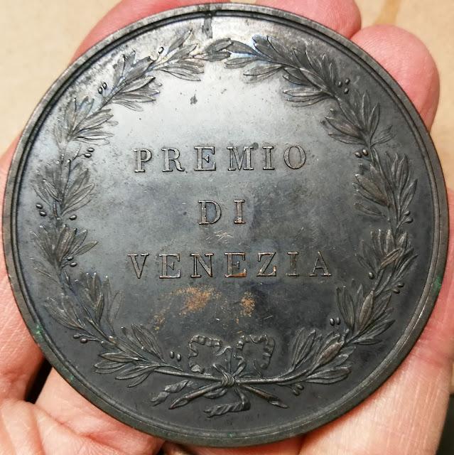 Imperiale Regia Accademia delle Belle Arti  Premio di Venezia fronde di alloro incisore è Manfredini pulizia acetone acqua distillata medaglia medaglione moneta distintivo