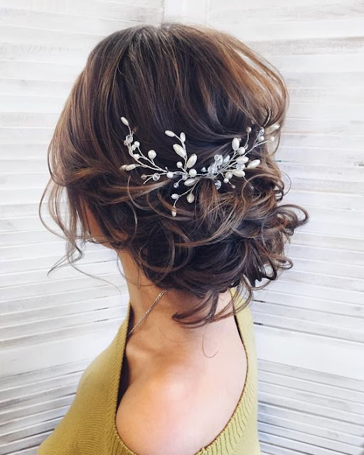 Romantic-Wedding-Hairstyles