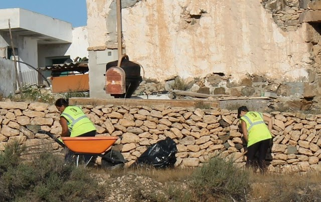 Fuerteventura.- Las once personas contratadas en el Plan de Empleo de Betancuria impulsan el embellecimiento del Municipio