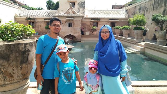 liburan keluarga bebas drama