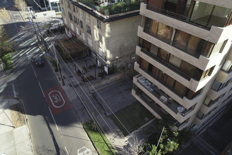 Feroz costalazo de delincuente que cayó de un sexto piso