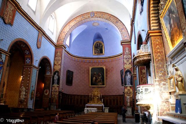 Interno della Chiesa dedicata a Saint Firmin Vescovo di Uzes