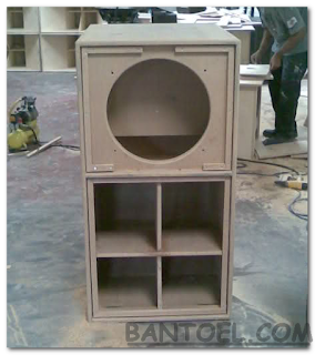 Desain Box Speaker Super Scooper 18 Inch Rear Loaded Horn