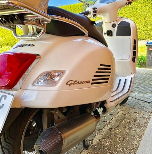 Review Spec Vespa GTS 300