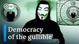 Documental Teorías conspirativas en Internet Online