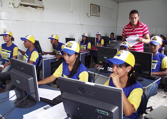 Projeto Amanhã da Codevasf promove inclusão digital de jovens rurais do projeto de irrigação Itiúba em Porto Real do Colégio