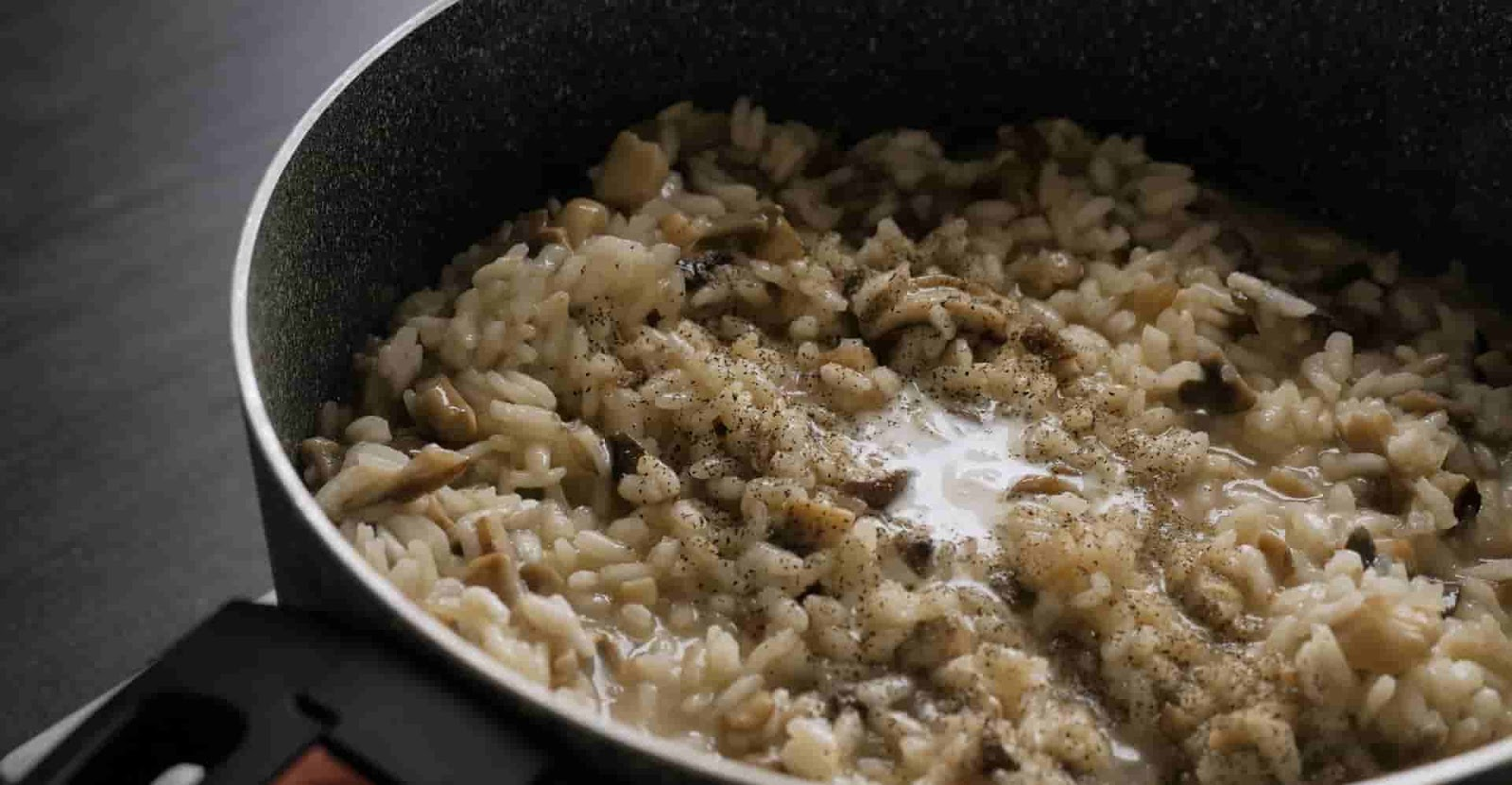 putting-ingredients-in-risotto