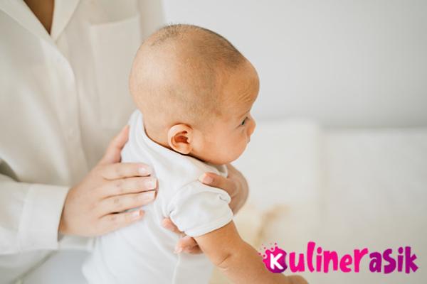 tips mengatasi cegukan pada bayi