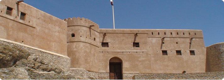 أول من شيد القلاع في العالم