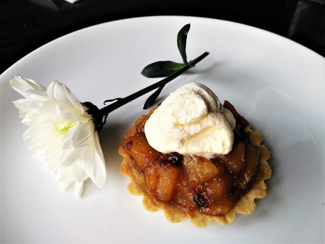 Tartaletas de manzana y dátiles, sin azúcar refinado