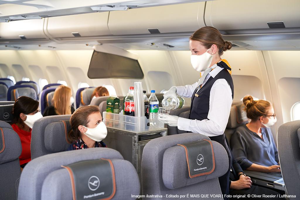 Grupo Lufthansa passa a recomendar a todos passageiros o uso de máscara desde embarque, durante o voo e desembarque   É MAIS QUE VOAR