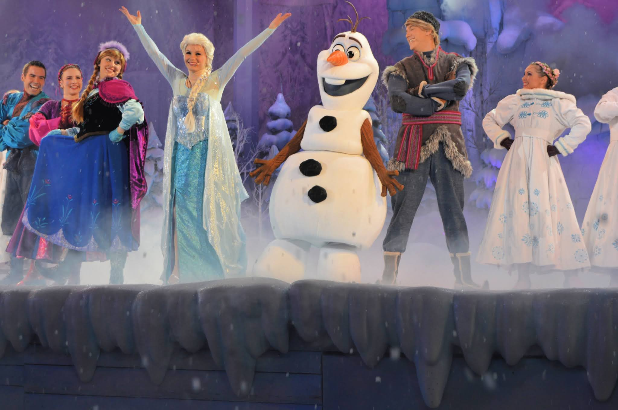 frozen show at Disneyland Paris