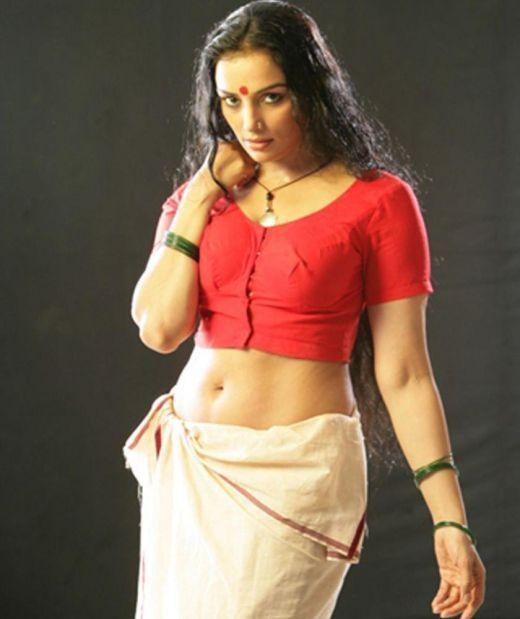 Breakup Malayalam: Swetha Menon Hottest Pics