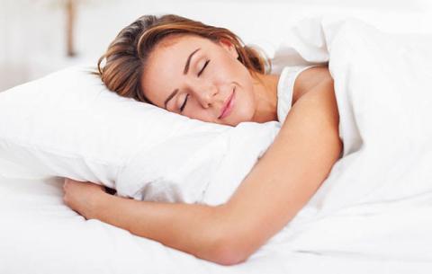 सर्दियों में इन 4 कारणों से होता है ज्यादा सोने का मन,सुबह उठने के लिए काम आएंगे ये टिप्स