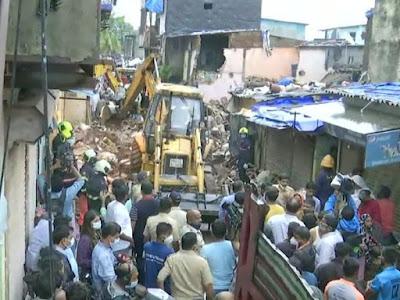 मालवानी इलाके में 4 मंजिला इमारत गिरने से 11 की मौत,
