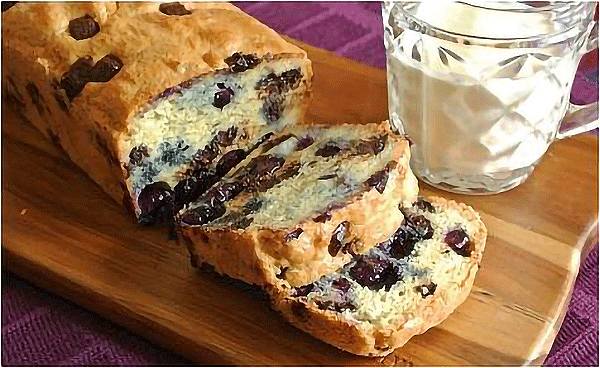 Dessert-Recipe-3-Keto-Blueberry-Cake