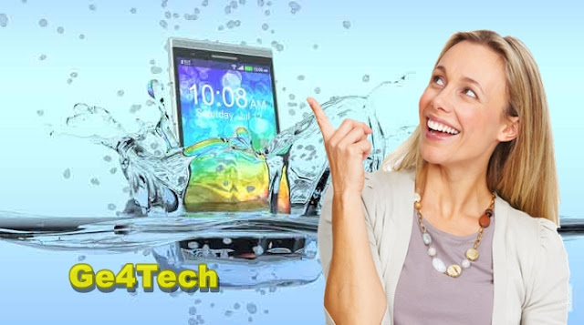 كيف تنقذ هاتفك الذكي بعد سقوطه في الماء؟