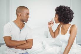 Les amoureux confinés : le confinement va -t-il nuire à votre relation de couple? COUPLE%2BCONFLIT