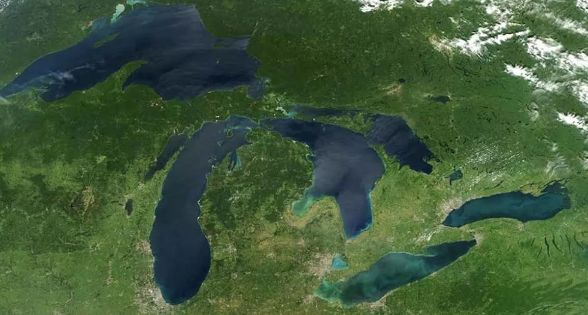 Incredibili foto satellitari dell'ondata di gelo in USA e Canada.