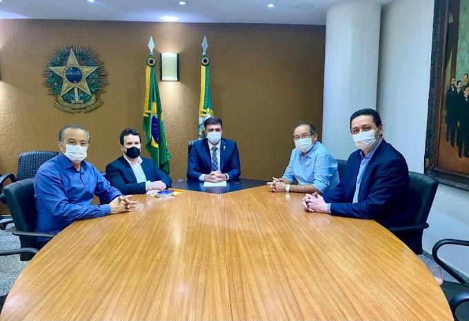 Presidente da Assembleia discute demanda dos prefeitos do Crajubar